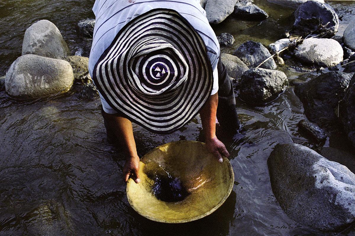 Artesanal miner El Palo, Cauca.